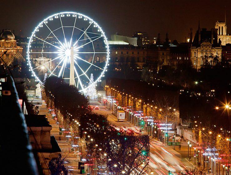 Новогодний Париж - колесо обозрения
