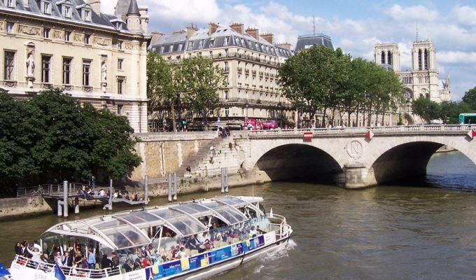 Речные экскурсии по Сене в Париже
