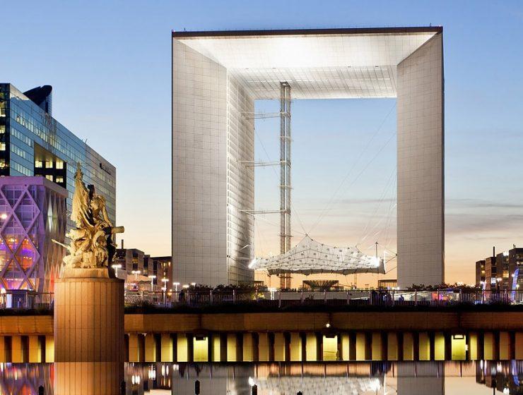 Большая Арка Дефанс в Париже