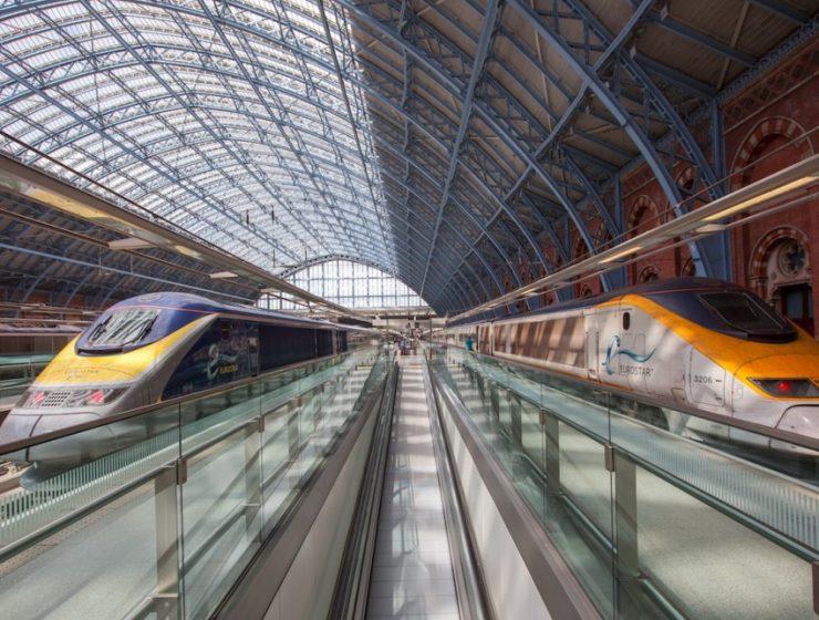 Поезда Eurostar возобновляют маршруты в Диснейленд
