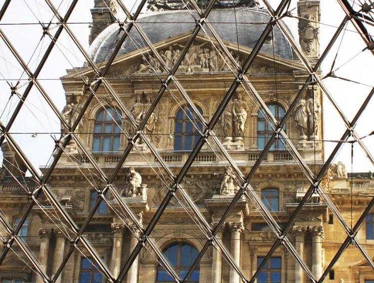Музей Лувр открывается для посетителей